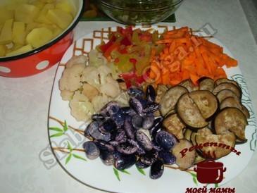 Овощное рагу, подготавливаем овощи