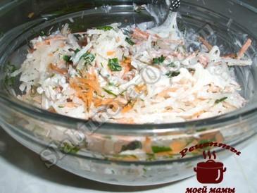 Салат из редьки, добавляем заправку