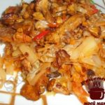 Жареная капуста с грибами готова