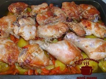 Курица в духовке готова