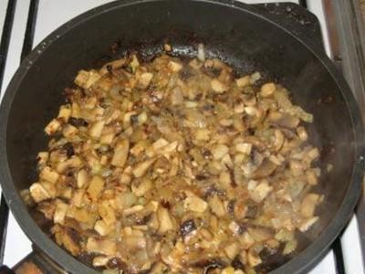 Фаршированные кальмары, готовим начинку