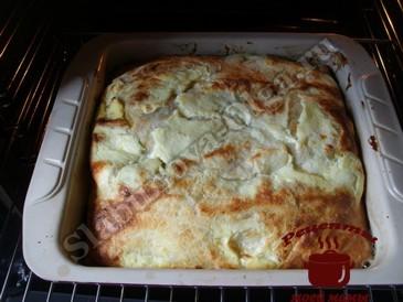 Мясной пирог, запекаем
