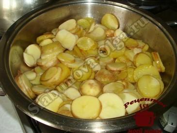 Рагу из кабачков, жарим картофель