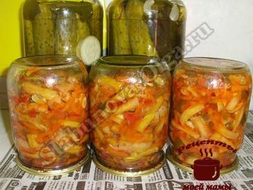 Салат на зиму, переворачиваем