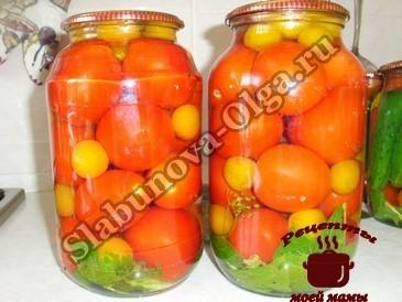 Маринованные помидоры, залиапенм кипятком