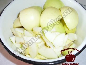 Творожная выпечка, режем яблоки