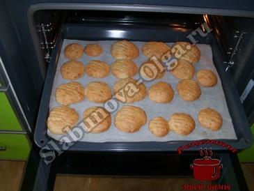 Овсяное печенье, запекаем