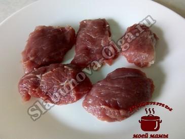 Шашлык из свинины, режем