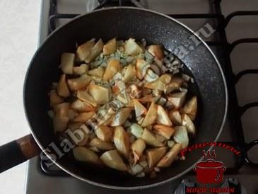 Жареный картофель готов